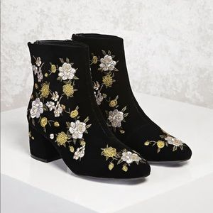 NWOT F21 Velvet Floral Embroidered Ankle Booties